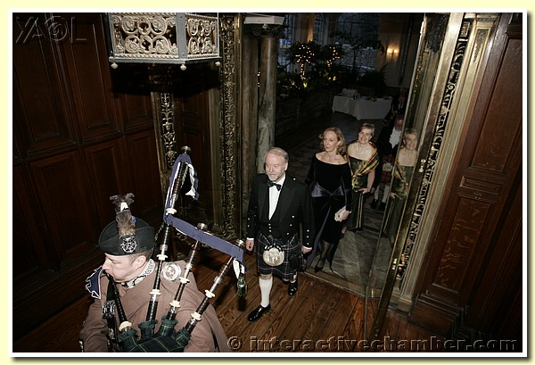 PIPING IN THE HEAD TABLE